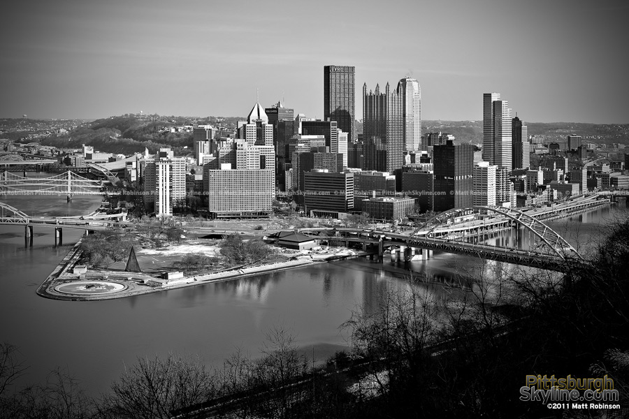 Black and White Pittsburgh Skyline