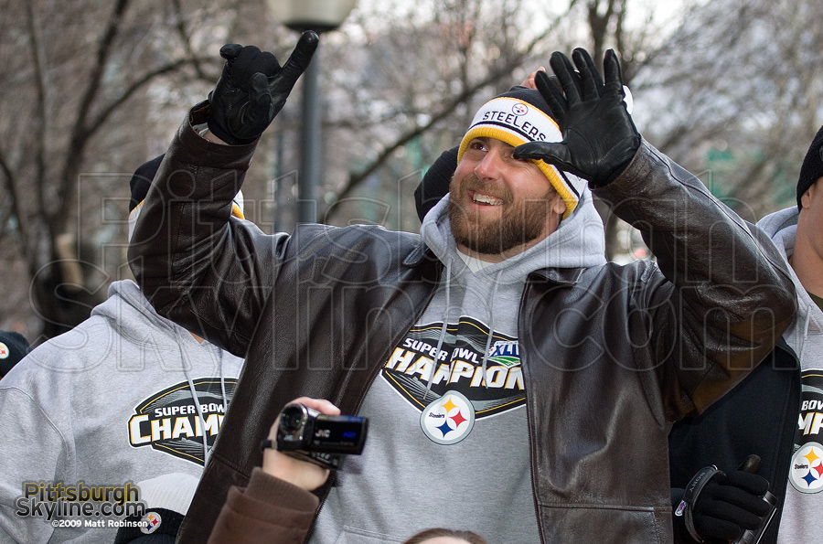 "Brett Keisel shows ""Six"""