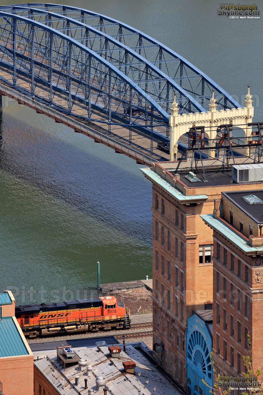 Smithfield Street Bridge and BNSF Locomotive